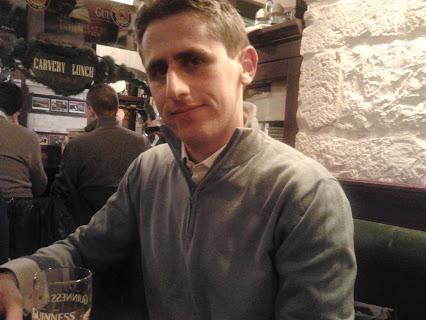 Barletta caso unico in Italia, giovane è prete ed anche arbitro, dirige le partite di calcio con breviario e cartellini