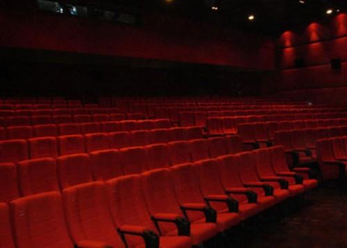 Cinema Galleria, spintoni e rissa tra spettatori sedata dai carabinieri