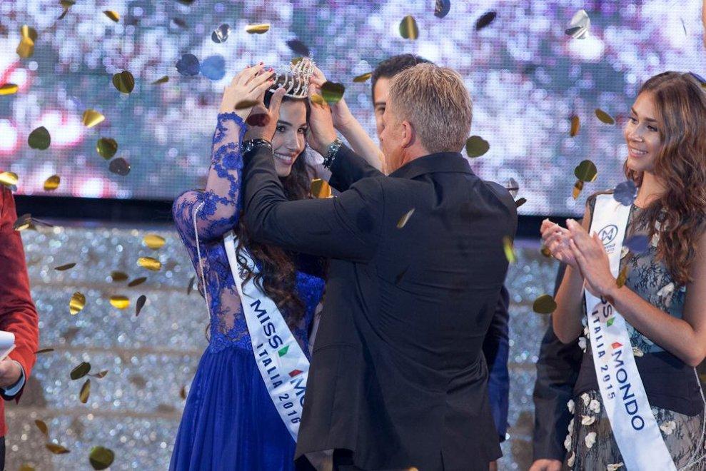 Gallipoli, eletta miss Italia nel mondo è una splendida 17enne calabrese
