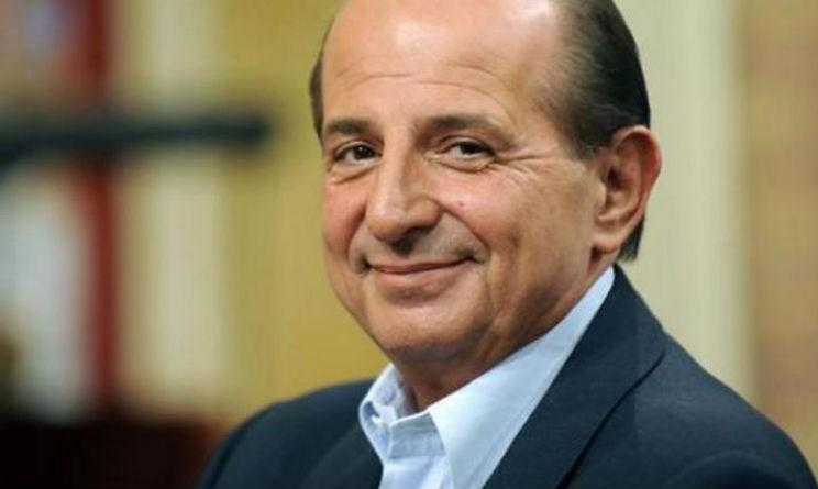 Giancarlo Magalli e Platinette attaccano duramente Raffaella Carrà lavora con gli scarti degli scarti degli scarti