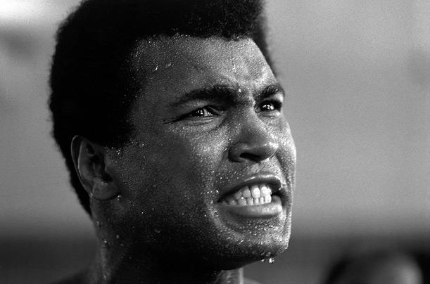 Lo sport piange la morte di un mito, addio a Cassius Clay