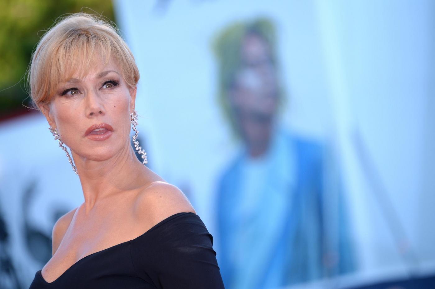 Nancy Brilli sorprende tutti non si sposa più con Roy De Vita, e spiega i motivi