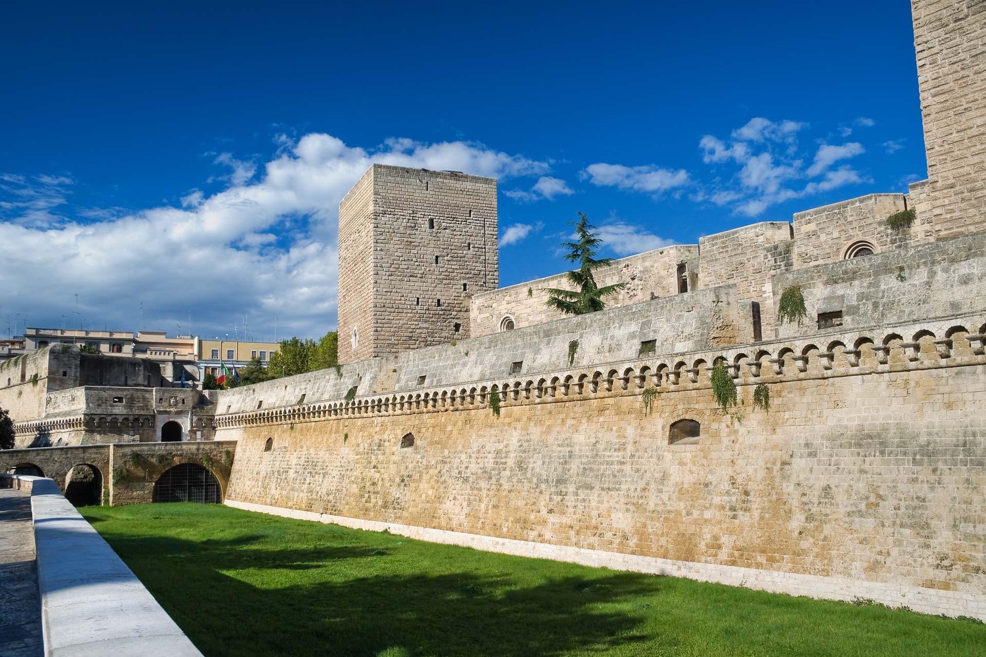 Puglia e a Bari aperti la domenica i musei e castelli, ingresso è gratuito