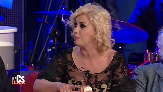 Tina Cipollari litiga con il dottor Lemme ma poi decide di seguire la sua dieta