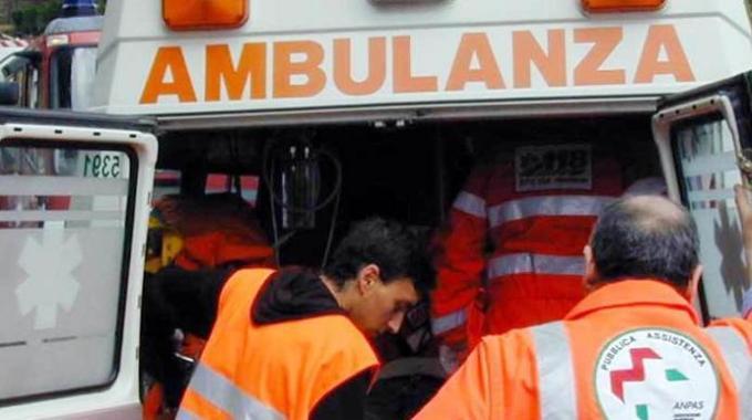 Bari, aggredito da un senza tetto con violenti pugni in faccia volontario croce rossa