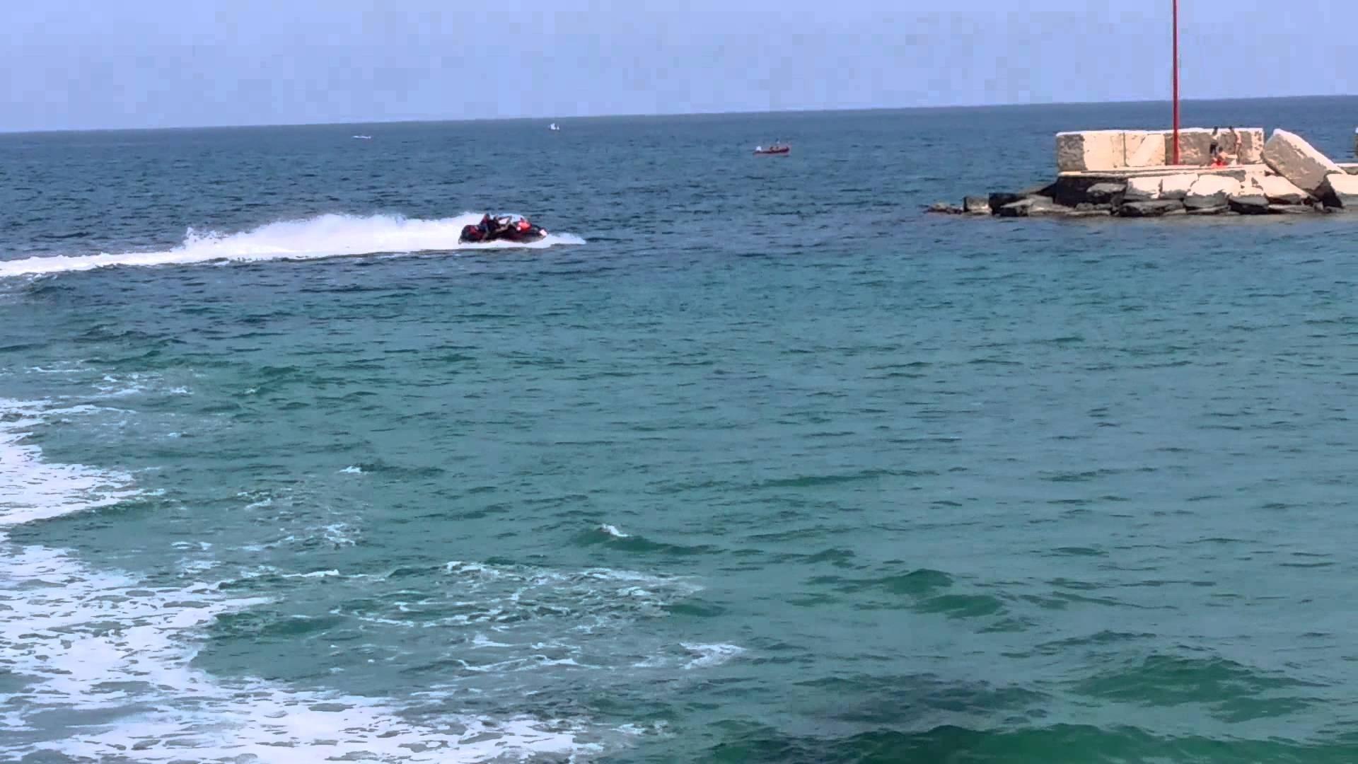 Bari rischio incolumità bagnanti, Guardia Costiera annuncia linea dura contro gli acquascooter