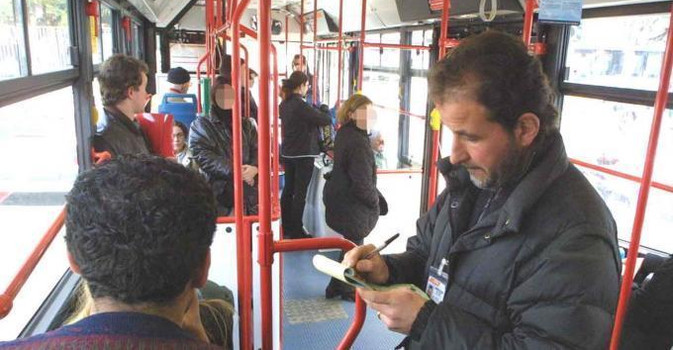 Bari, record di multe per chi viaggia senza biglietto sui bus. Bye bye portoghesi