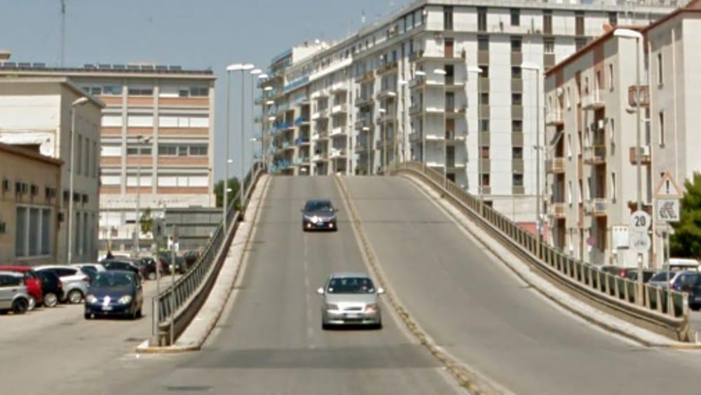 Bari, Ponte di Vagno. Nuovi disagi. Da lunedì chiude la corsia di marcia verso il lungomare