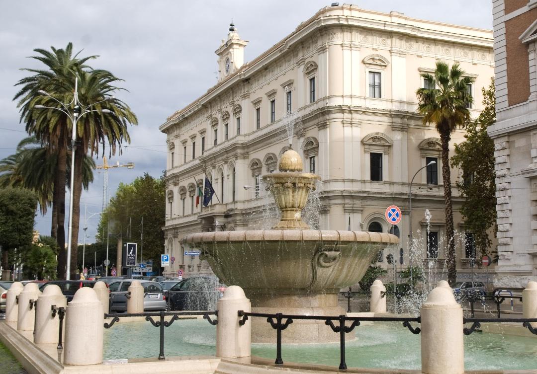 """Bari, si buca sotto gli occhi della telecamera in pieno centro. Irma Melini: """"Bari una città in cui vale tutto"""""""