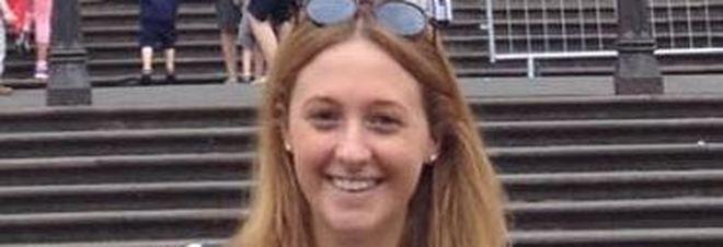 A Mantova incidente stradale, ragazza di 21 anni finisce fuori strada, la trova il fidanzato