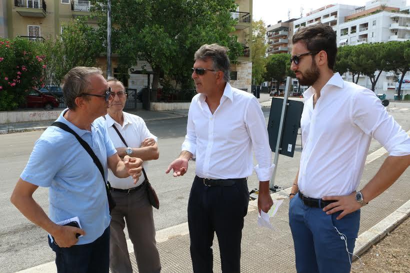 """Bari via Caldarola, i consiglieri Carrieri e Romito contro giunta Decaro,  """"regolamento del verde avrebbe  impedito il taglio indiscriminato di alberi forti e sani"""""""
