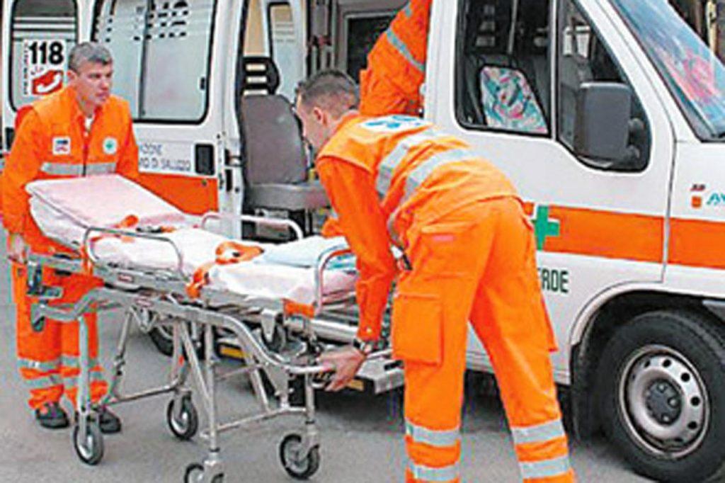 Altamura, travolta donna mentre attraversa  la strada ricoverata d'urgenza all'ospedale della Murgia
