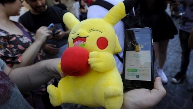 Bari in pieno centro è Pokemon mania, rallentamenti alla circolazione delle auto e a rischio la sicurezza dei ricercatori