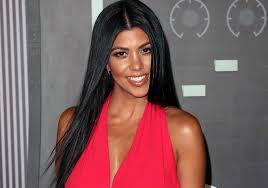 Kourtney Kardashian mostra il suo fisico spettacolare a Miami in attesa del suo segretissimo amore Justin Bibier
