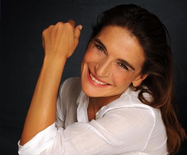 Bari, Cartellone eventi estate 2016:Lina Sastri al posto di Marisa Laurito domenica 28 agosto