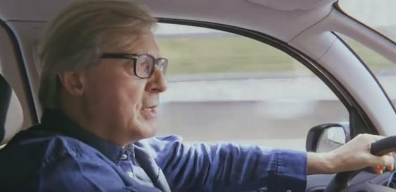 Sgarbi #missionemonnalisa parte 2^. In auto verso la Francia per riportare a casa la Monnalisa. VIDEO