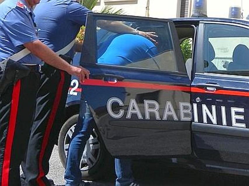 Parcheggio Auchan di Casamassima banditi baresi foravano prima le ruote delle auto in sosta e poi ripulivano i proprietari