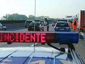 Tangenziale di Bari, tamponamento a catena coinvolte 6 auto, traffico bloccato alcuni feriti