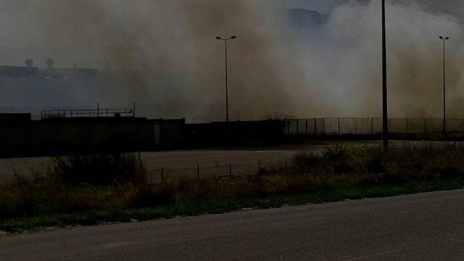 Ruvo di Puglia, pauroso incendio allo stabilimento della Vodichem
