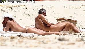 Cristina Parodi e Giorgio Gori  nudisti in spiaggia