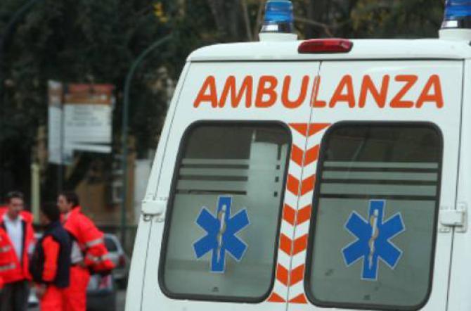 Malasanità Bari, bambino di 6 anni si frattura un gomito ma il reparto di ortopedia del Policlinico, San Paolo e Giovanni XXIII è chiuso per ferie, solo le minacce del padre scongiurano un trasferimento all'ospedale di Brindisi