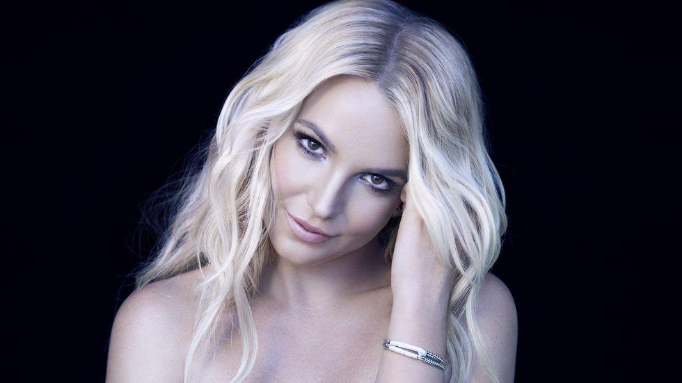 Britney Spears viva per miracolo stava annegando alle Hawaii per il mare in burrasca