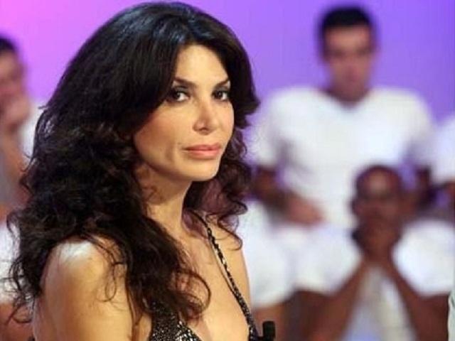 Carmen Di Pietro ridotta in povertà non può spendere più di 5 euro al giorno, le dure dichiarazioni di Nina Moric