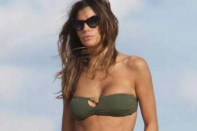 Claudia Galanti litigi furibondi in vacanza in Sardegna con il suo compagno il playboy Tommaso Buti