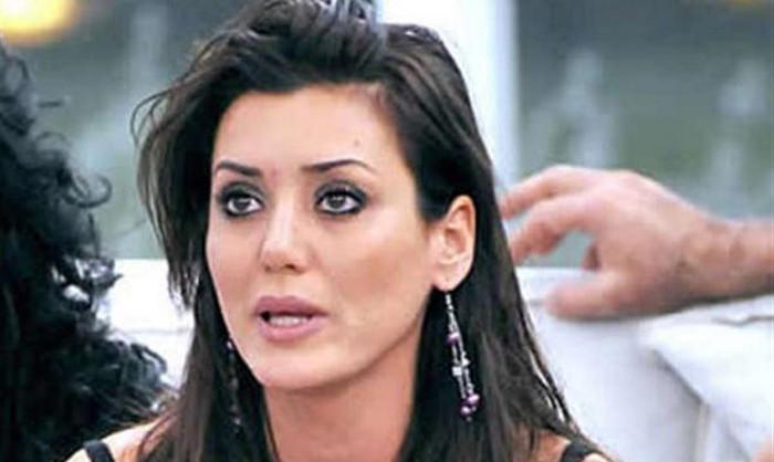 L'ex gieffina Francesca Martani choc, il karma ha punito gli abitanti di Amatrice, la secca replica della Lucarelli