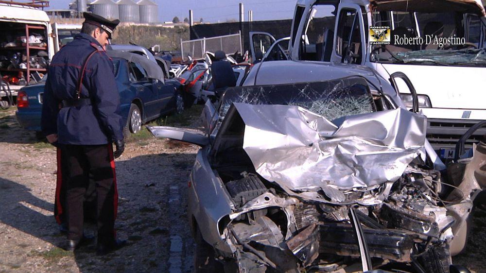 Puglia terribile incidente, due auto coinvolte sono tre i feriti in codice rosso