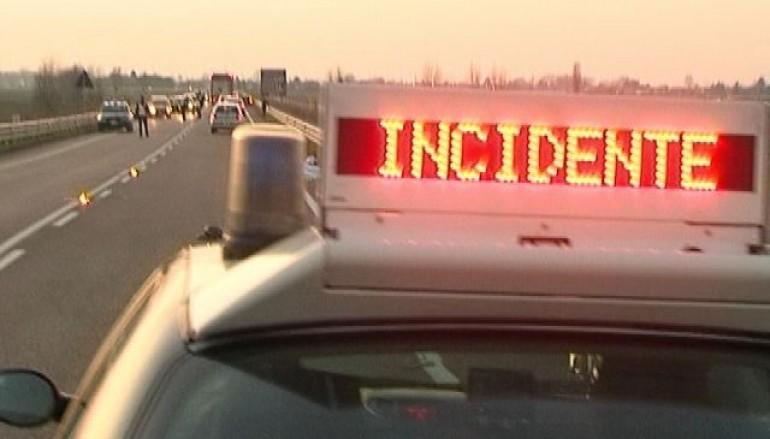 Tremendo incidente sulla Gioia del Colle – Putignano, padre e figlio di soli 19 anni sbalzati fuori dall'auto, sono gravissimi