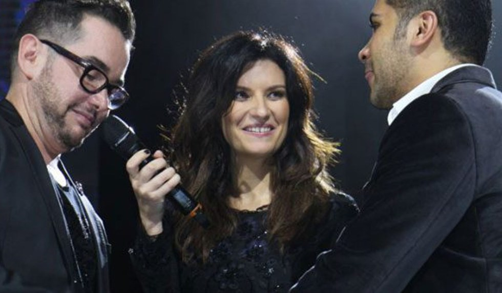 Laura Pausini ha fatto un gesto incredibile, i fan, commossi,  in delirio