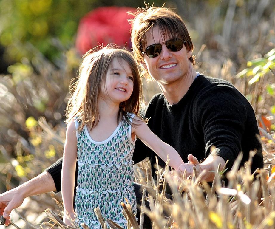 Tom Cruise choc da quattro anni non sente e non vede sua figlia Suri che da poco ha compiuto 10 anni