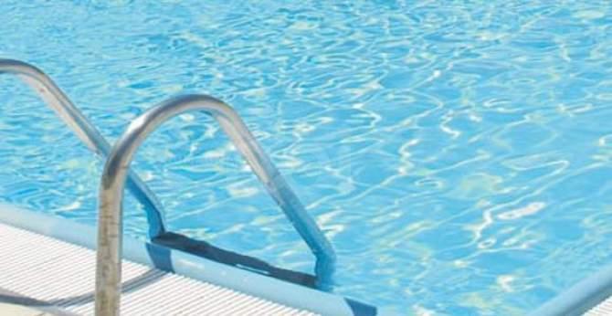 Molfetta, in un agriturismo cade in  piscina un bambino, una coppia lo salva con il massaggio cardiaco
