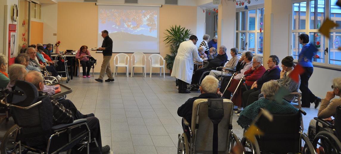 A Gioia del Colle, in una casa di riposo marito e moglie si presentano come familiari di un'anziana sulla sedia a rotelle e la rapinano