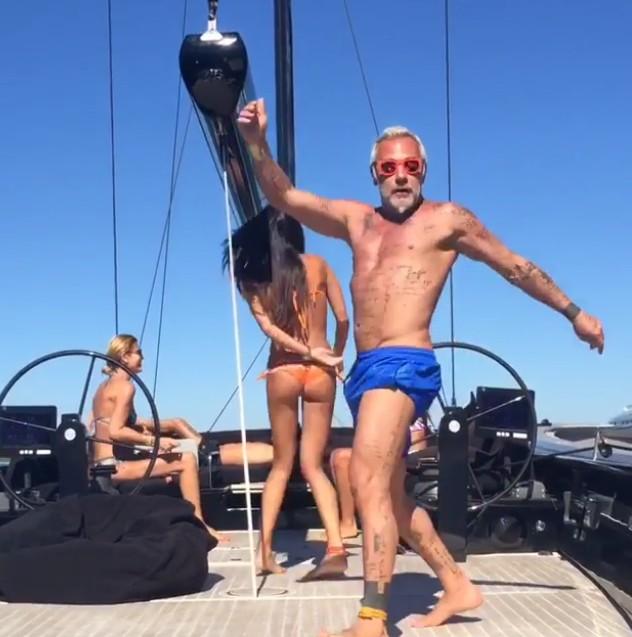 Gianluca Vacchi vuole trascorrere la serata al Billionaire di Briatore ma non lo fanno entrare