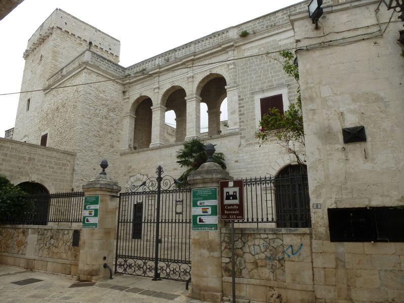 monumenti-da-visitare-castello-baronale-valenzano
