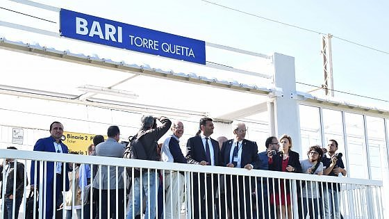 Bari, inaugurata la nuova fermata ferroviaria di Torre Quetta, servirà la spiaggia e i nuovi uffici regionali
