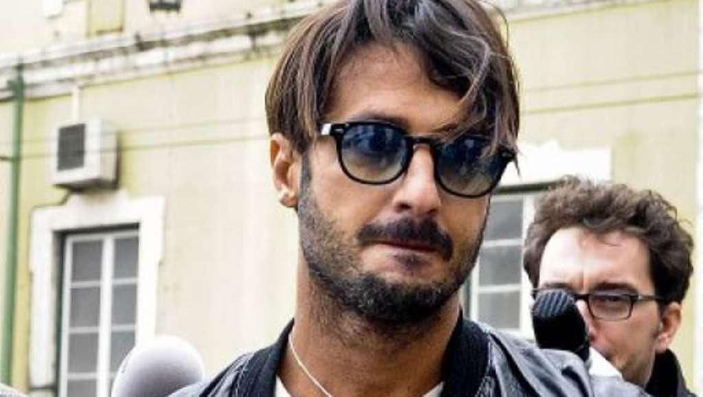 Fabrizio Corona rivela che il compagno di cella Cottone non perde una puntata del GFV per spiare la Marini