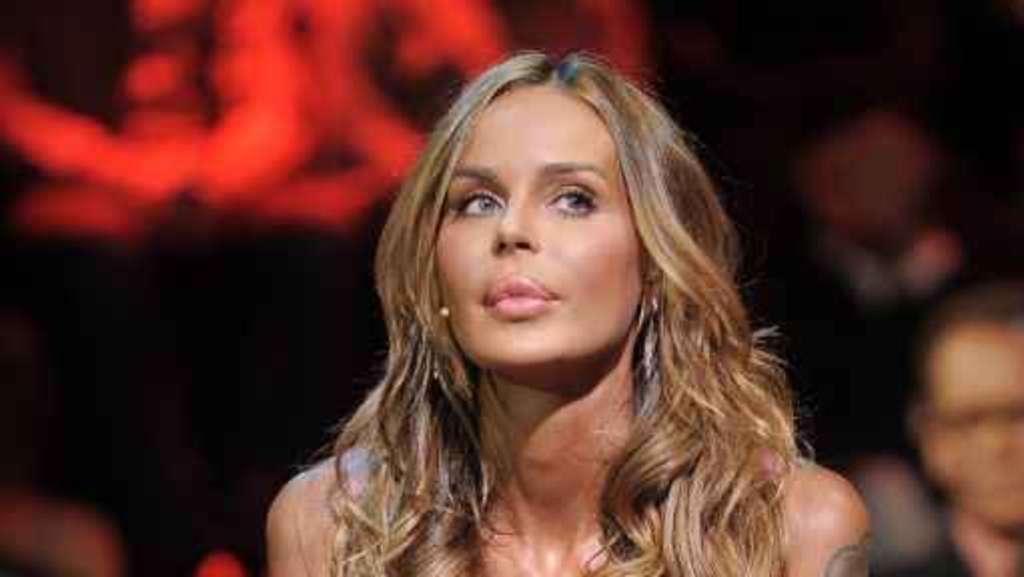 Nina Moric fa una dichiarazione che spaventa  Ilary  Blasi