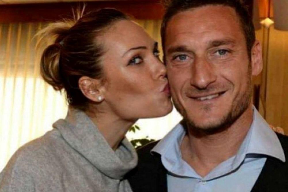Ilary Blasi essere la moglie di Totti non è facile, per tanti sono la più grande cornuta d'Italia