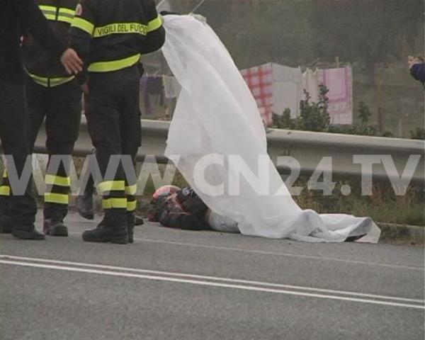 A Brindisi incidente stradale mortale, impatto frontale