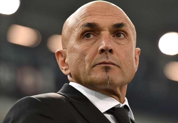 Spalletti fa gli auguri a Francesco Totti mentre e a Ilary Blasi che lo ha definito un piccolo uomo dice così