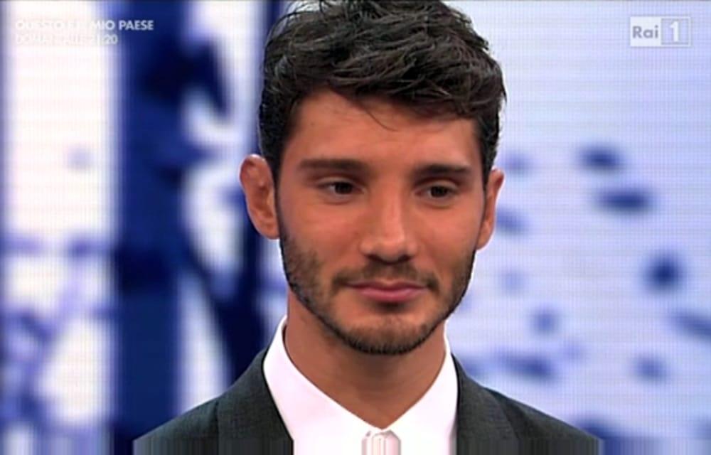 Stefano De Martino vede Iannone sotto casa di Belen, la reazione del ballerino postata in rete