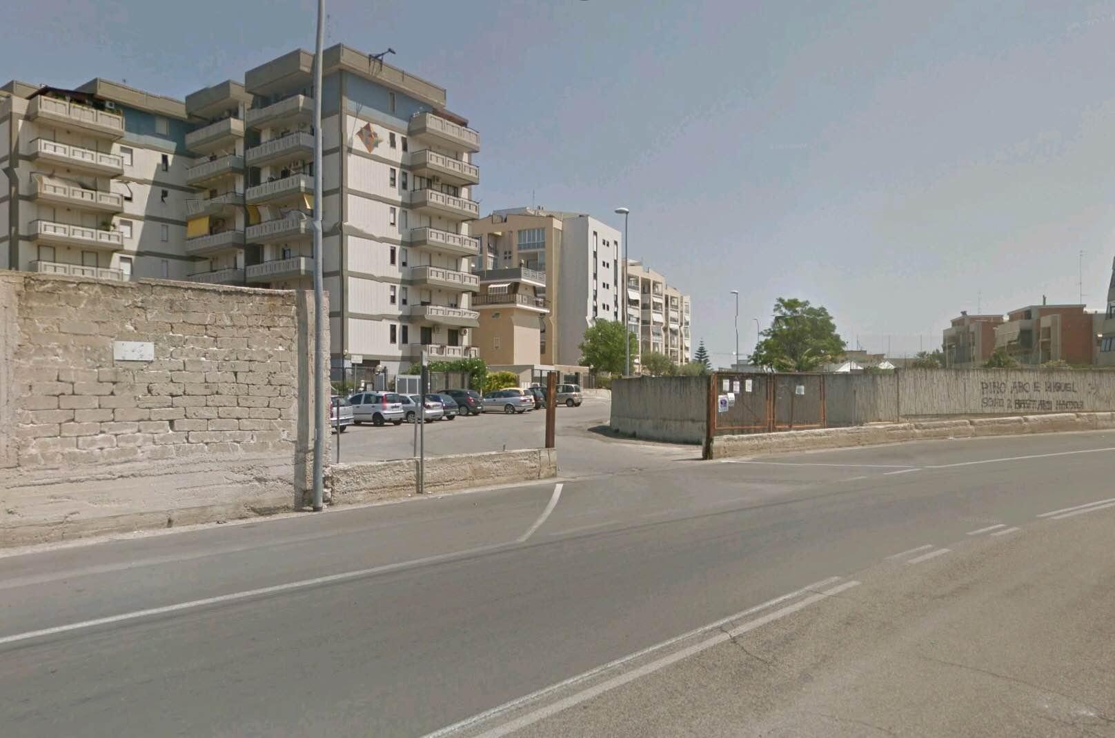 A Bari sull'autobus 53 per gioco tirato il freno d'emergenza, feriti