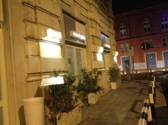 Bari, agguato nella notte al proprietario del Giampà, tre malviventi si impossessano dell'Audi A6 di sua proprietà