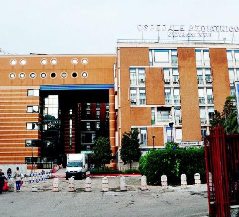 Scandalo a Bari, al pediatrico la notte non c'è il neurologo, i piccoli costretti a traslocare al Policlinico