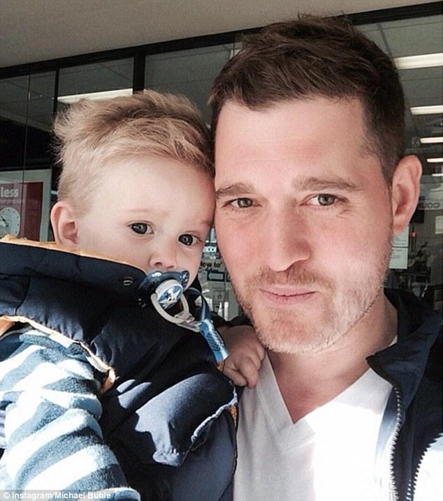 """Michael Bublé choc, : """"mio figlio di tre anni ha il cancro"""""""