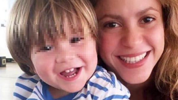Shakira choc mio figlio sta male non posso partecipare ai Latin Grammy Awards