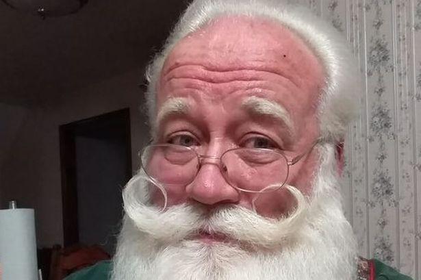 Un bambino di 5 anni malato terminale esprime l'ultimo desiderio, conoscere Babbo Natale e muore in braccio a lui